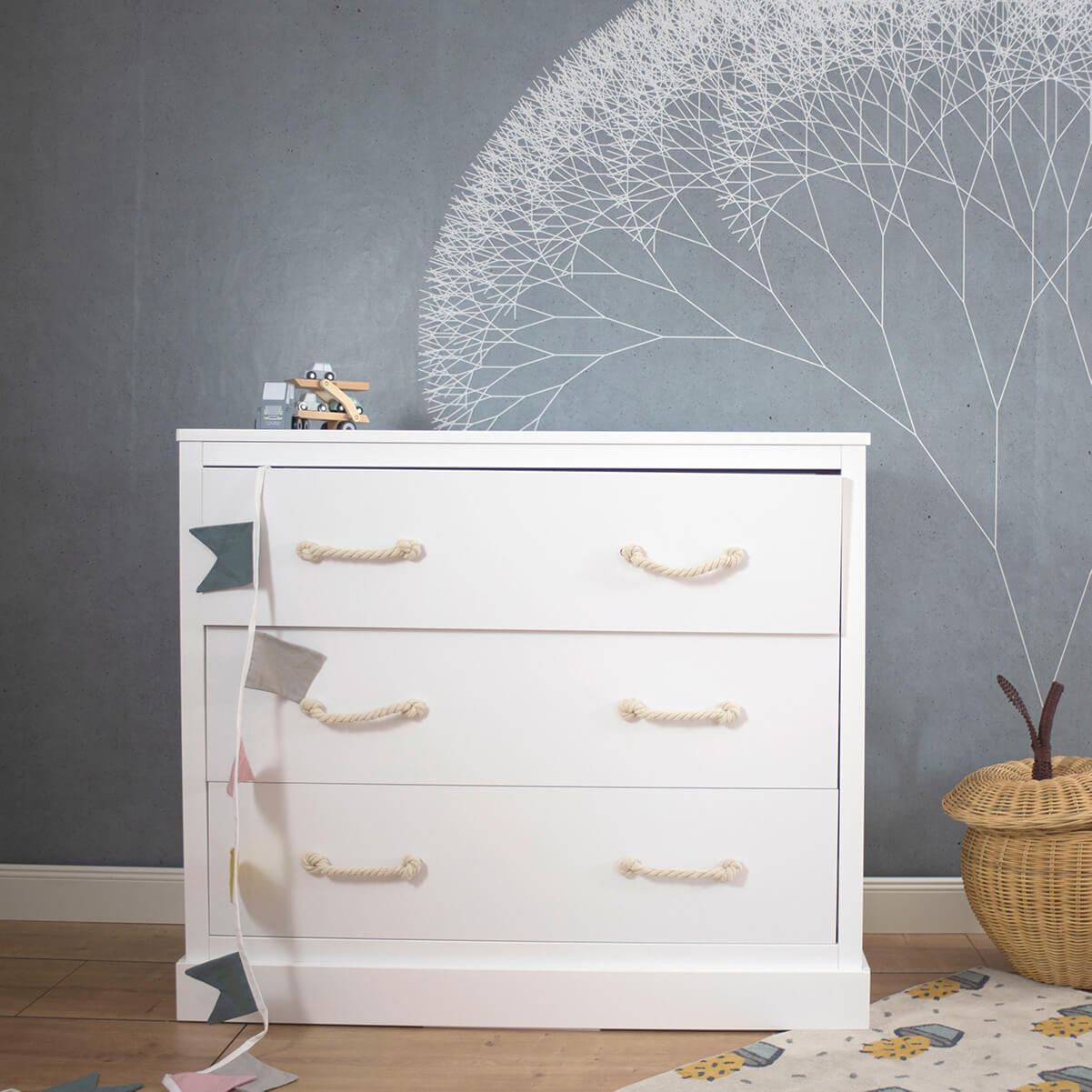 Chest of drawers Carlotta, white, 116x51x99 cm